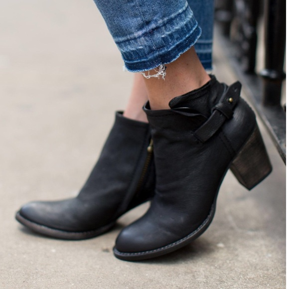 Dolce Vita Shoes - Black booties